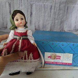 Madame Alexander Bulgaria 557 doll